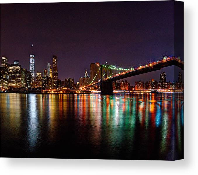 Manhattan Canvas Print featuring the photograph Manhattan 030 by Jeff Stallard
