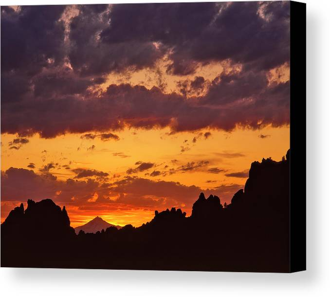 Cloud Canvas Print featuring the photograph Usa, Oregon, Jefferson County by Jaynes Gallery
