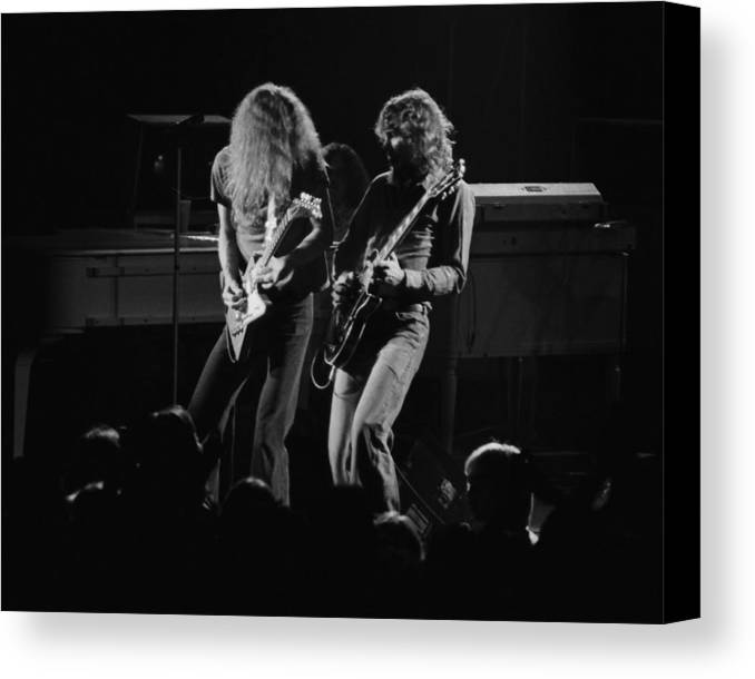 Allen Collins Canvas Print featuring the photograph Ls Spo #5 by Ben Upham
