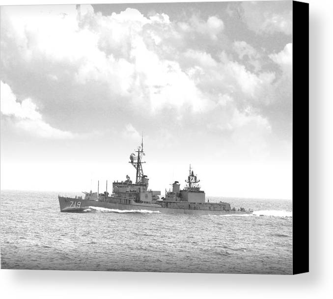 Ship Canvas Print featuring the digital art Dd 719 Uss Epperson by Mike Ray