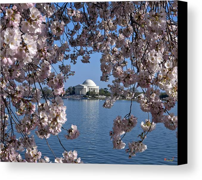 Washington D.c. Canvas Print featuring the photograph Jefferson Memorial On The Tidal Basin Ds051 by Gerry Gantt