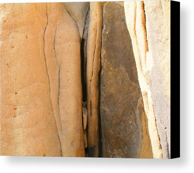 Landscape Canvas Print featuring the photograph Labia Pietra by Dorota Nowak