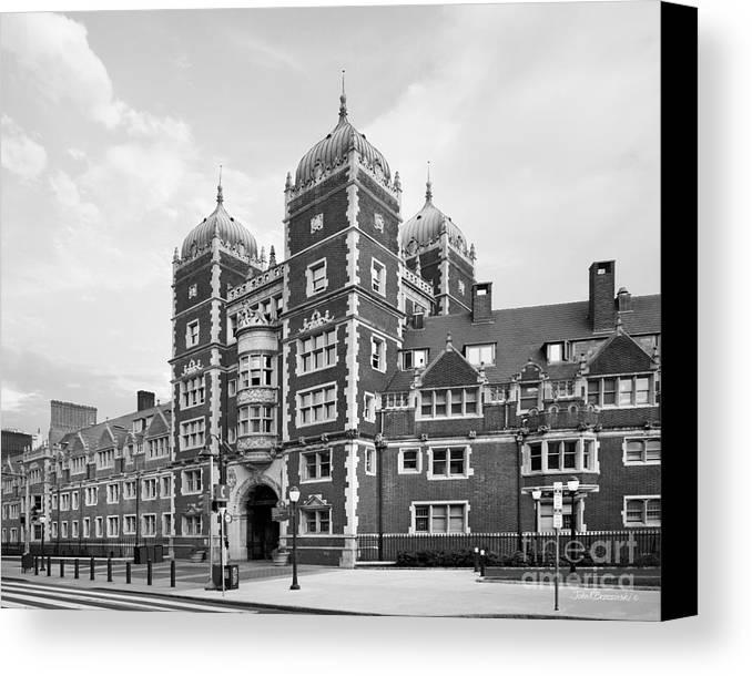 University Of Pennsylvania Canvas Print featuring the photograph University Of Pennsylvania The Quadrangle by University Icons