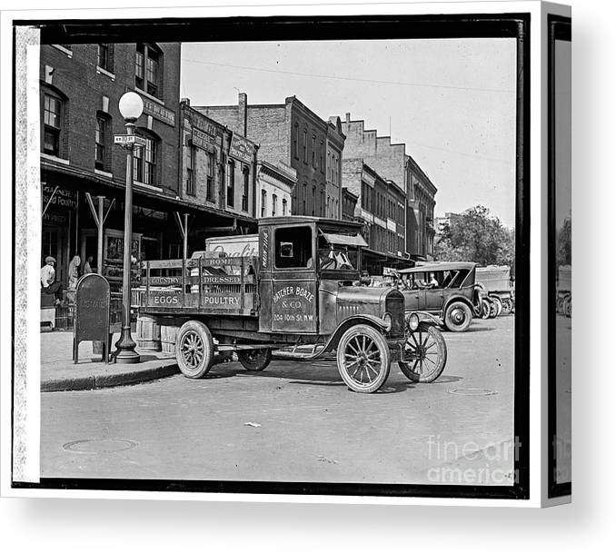 Loc Canvas Print featuring the photograph Hatcher Boaze Truck. by Russ Brown