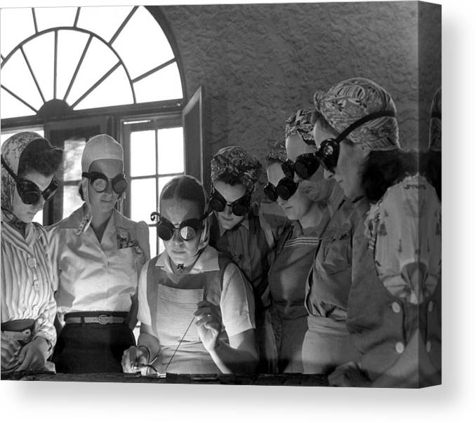 History Canvas Print featuring the photograph Welding Training For Women by Everett