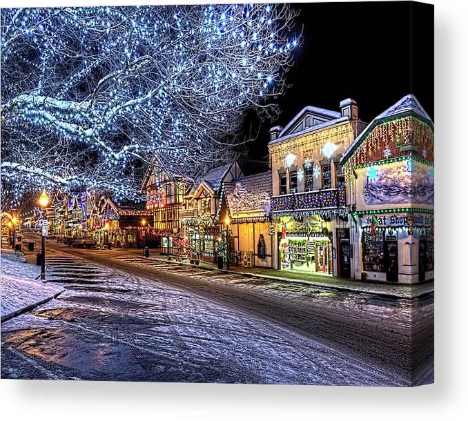 Leavenworth German Christmas Town Washington.Holiday Village Leavenworth Wa Canvas Print