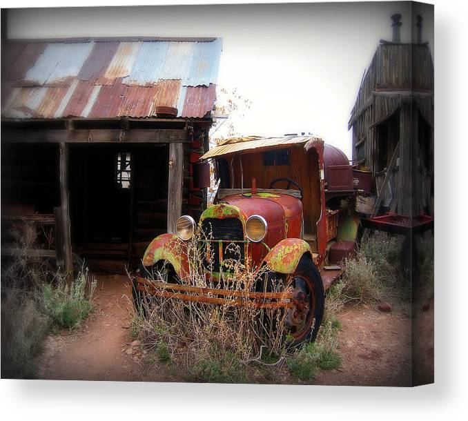 Car Canvas Print featuring the photograph Rusted Classic by Perry Webster