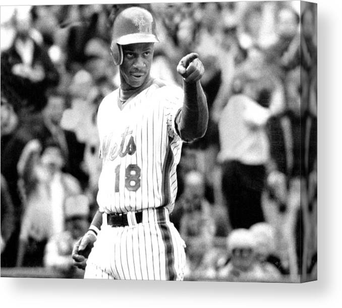 1980-1989 Canvas Print featuring the photograph Darryl Strawberry Of The New York Mets by New York Daily News Archive