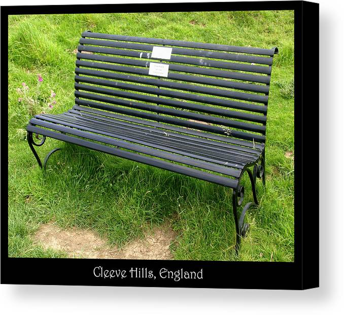Bench Canvas Print featuring the photograph Bench #17 by Roberto Alamino