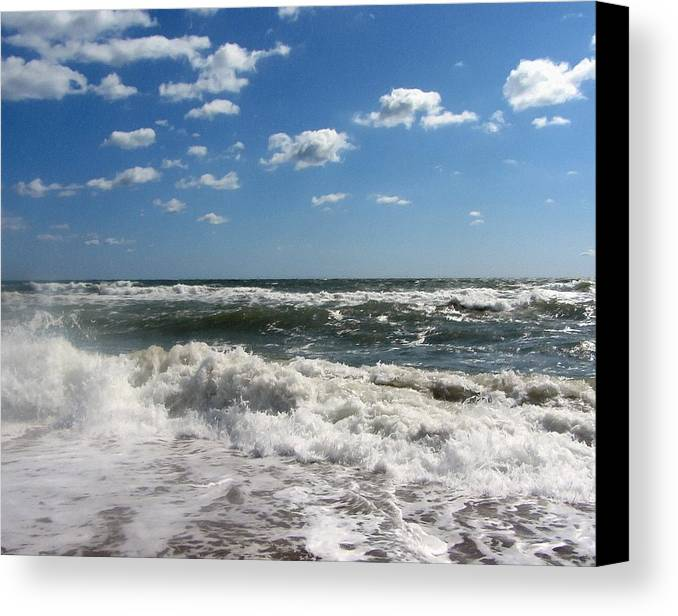 Ocean Canvas Print featuring the photograph Southern Shores Splash by Cathy Lindsey