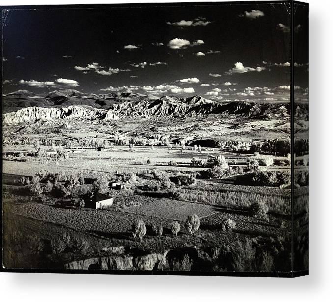 Canvas Santa Fe >> Santa Fe In New Mexico Canvas Print