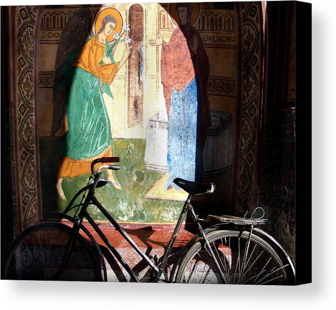 Mural Canvas Print featuring the photograph Bicycle And Mural by Todd Fox