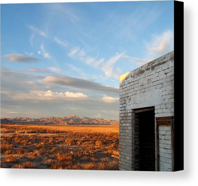 Looking Northward Canvas Print featuring the photograph Looking Northward by Glenn McCarthy Art and Photography