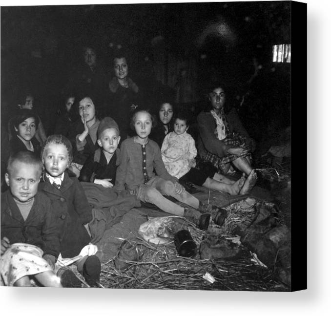 History Canvas Print featuring the photograph Women And Children In The Barracks by Everett