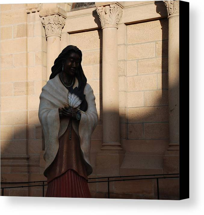 Sculpture Canvas Print featuring the photograph Native American Saint by Rob Hans