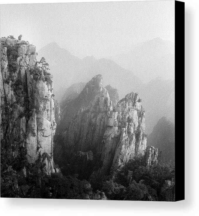 Horizontal Canvas Print featuring the photograph Huangshan Peaks by Vincent Boreux Photography