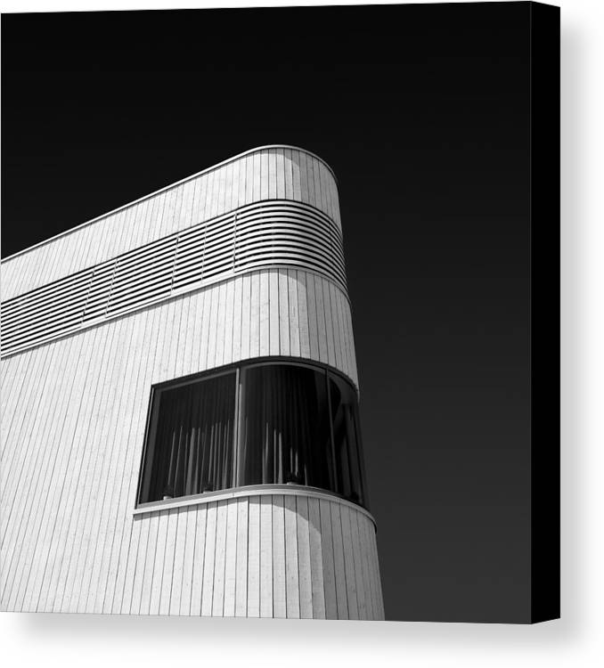 Modern Homes Canvas Print featuring the photograph Curved Window by Dave Bowman