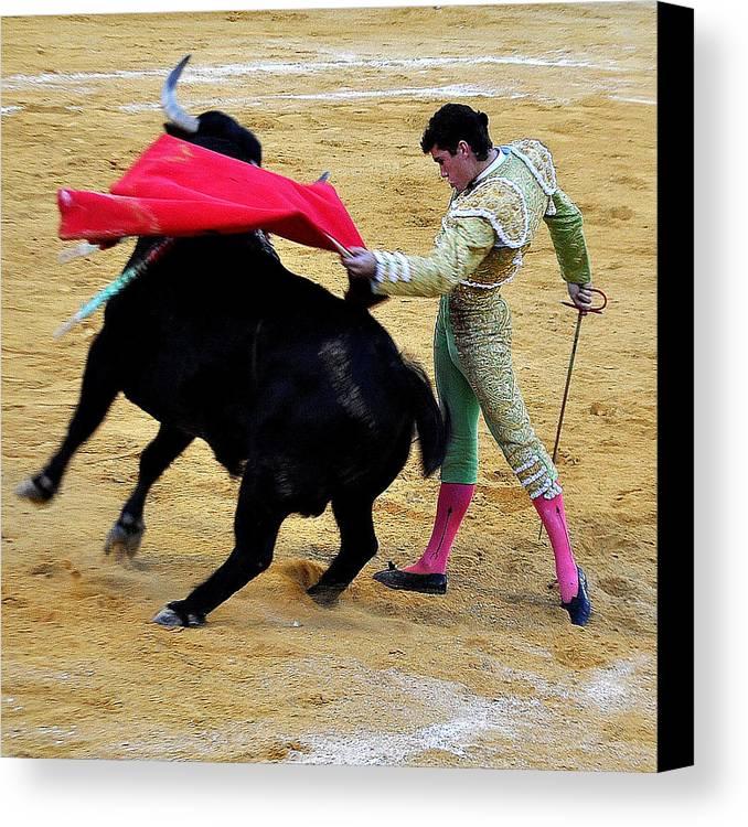 Bullfight - Villaluenga - Ol� Canvas Print featuring the photograph 049 by Patrick King
