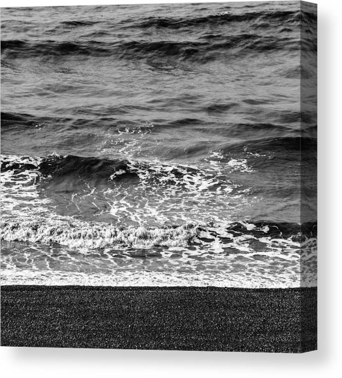 Sea Canvas Print featuring the photograph Brighton Beach by Dutourdumonde Photography