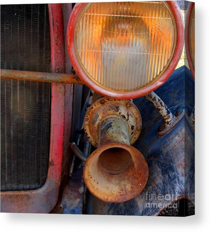 Old Ford Car Canvas Print featuring the photograph Ooga Ooga by Marilyn Smith