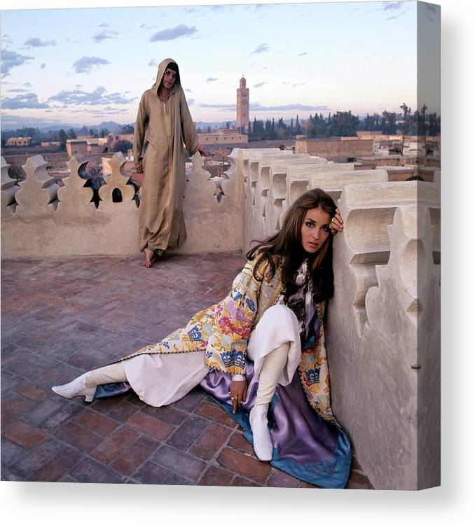 Fashion Canvas Print featuring the photograph Paul Getty Jr And Talitha Getty On A Terrace by Patrick Lichfield