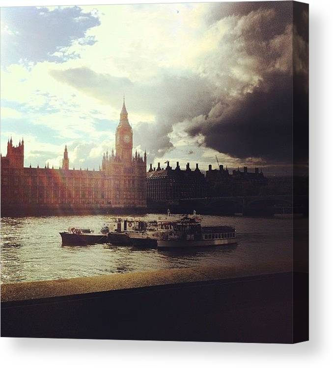 Beautiful Canvas Print featuring the photograph Big Ben by Samuel Gunnell