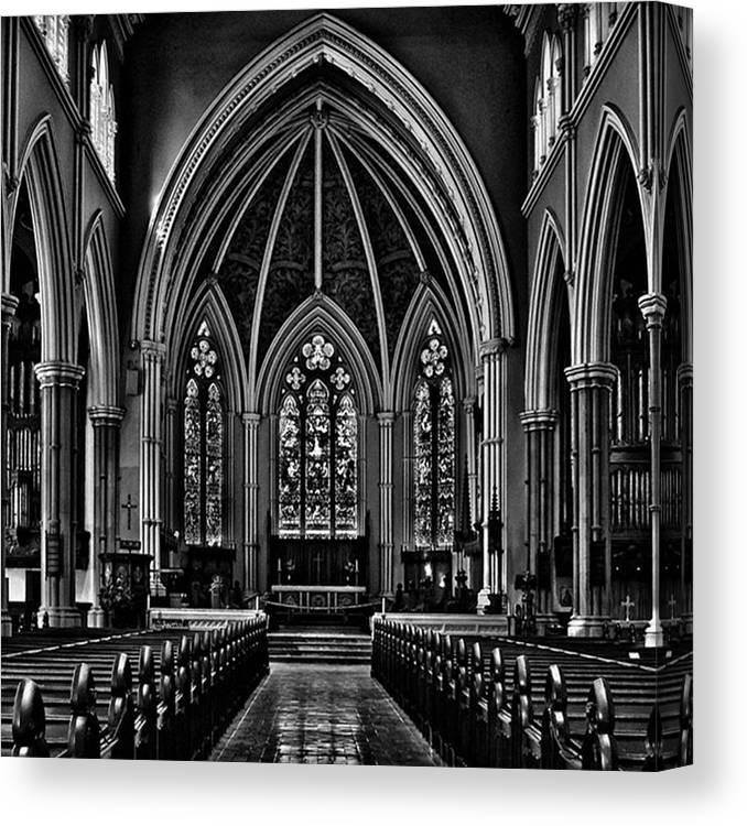 Toptorontophoto Canvas Print featuring the photograph Metropolitan United Church Interior by Brian Carson