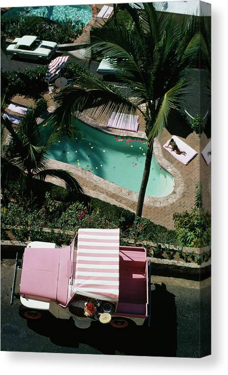 People Canvas Print featuring the photograph Las Brisas by Slim Aarons
