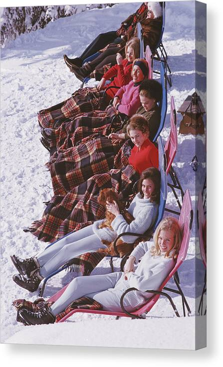 Gstaad Canvas Print featuring the photograph Apres Ski by Slim Aarons