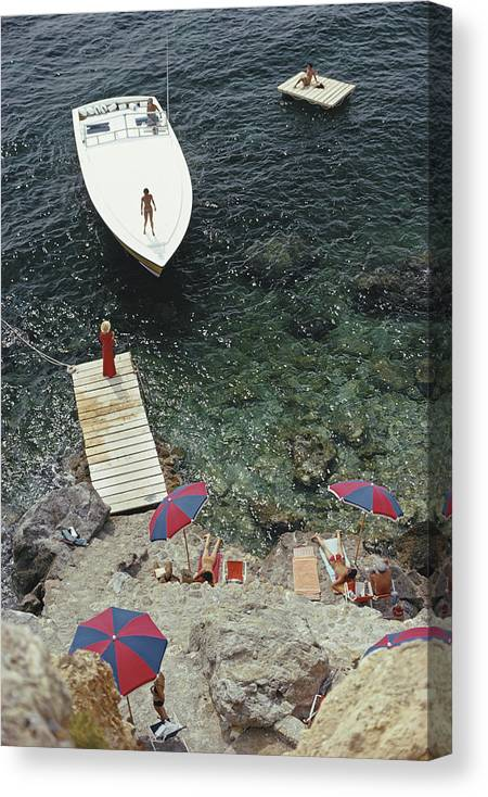 People Canvas Print featuring the photograph Coming Ashore by Slim Aarons