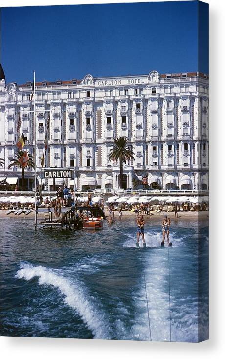 Skiing Canvas Print featuring the photograph Hotel Sports by Slim Aarons