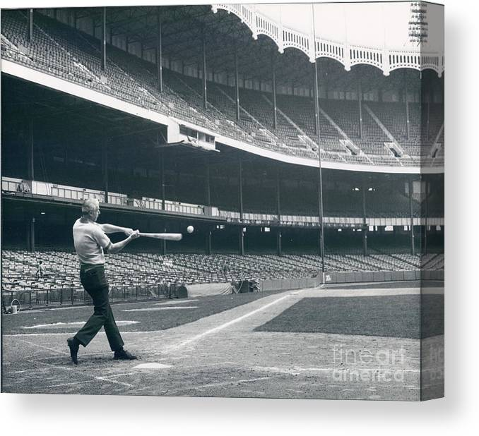 People Canvas Print featuring the photograph Joe Dimaggio by Sports Studio Photos