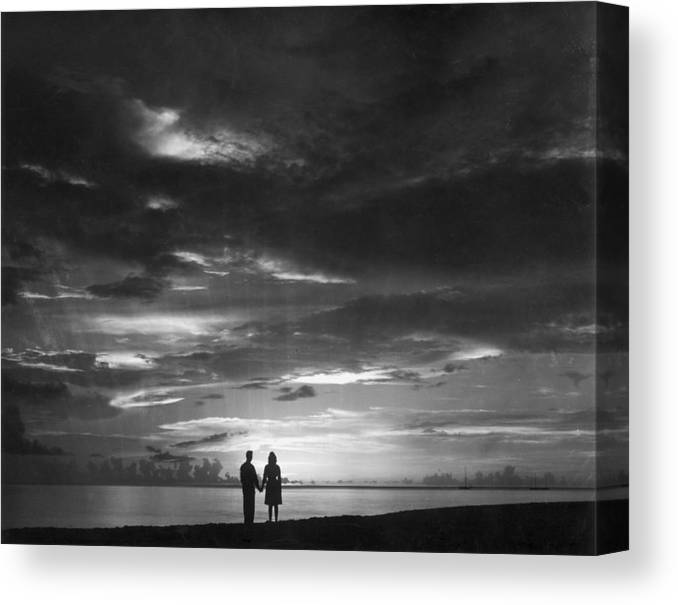 Scenics Canvas Print featuring the photograph Sunset Over Barbados by William Bertalan