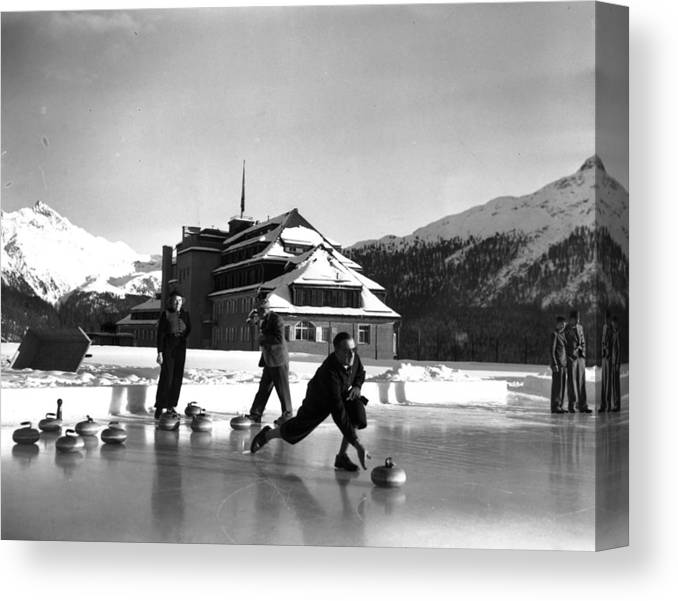 Recreational Pursuit Canvas Print featuring the photograph Curling At Christmas by George Konig