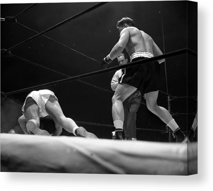 Heavyweight Canvas Print featuring the photograph Gus Lesnevitch Vs Melio Bettina by New York Daily News