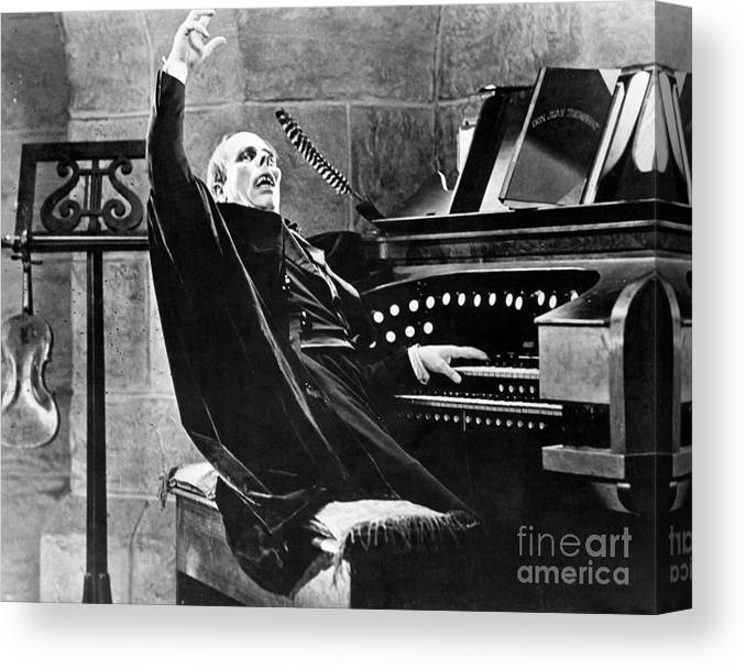 Ugliness Canvas Print featuring the photograph Lon Chaney As The Phantom Of The Opera by Bettmann