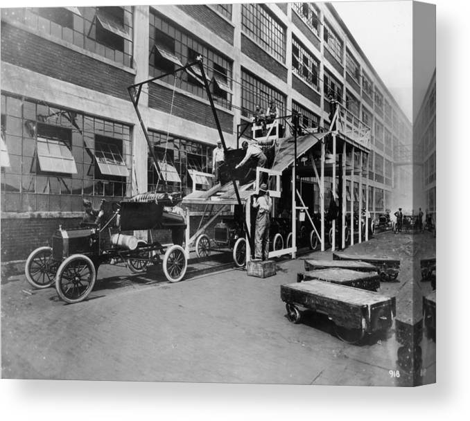1910-1919 Canvas Print featuring the photograph Mass Production by Hulton Archive