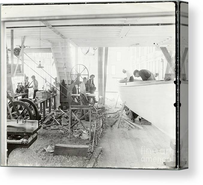 People Canvas Print featuring the photograph Men Building Ships by Bettmann