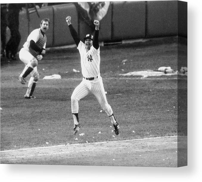 American League Baseball Canvas Print featuring the photograph New York Yankees Chris Chambliss Jumps by New York Daily News Archive