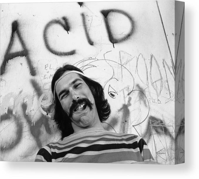 San Francisco Canvas Print featuring the photograph Photo Of Grateful Dead by Michael Ochs Archives