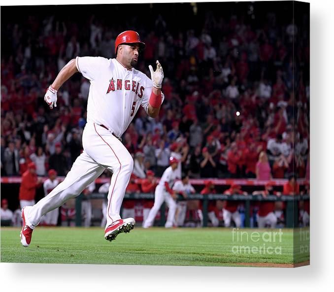 Second Inning Canvas Print featuring the photograph Albert Pujols by Harry How