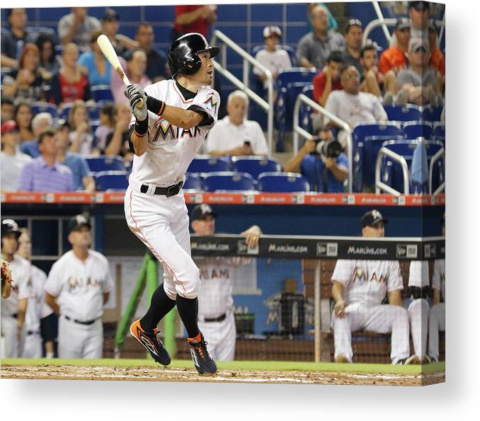Second Inning Canvas Print featuring the photograph Ichiro Suzuki by Joe Skipper