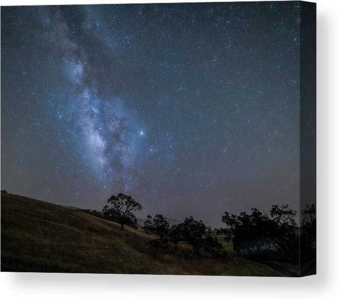 Milky Way Canvas Print featuring the photograph Milky Way In The Western Sky2 by Lindsay Thomson