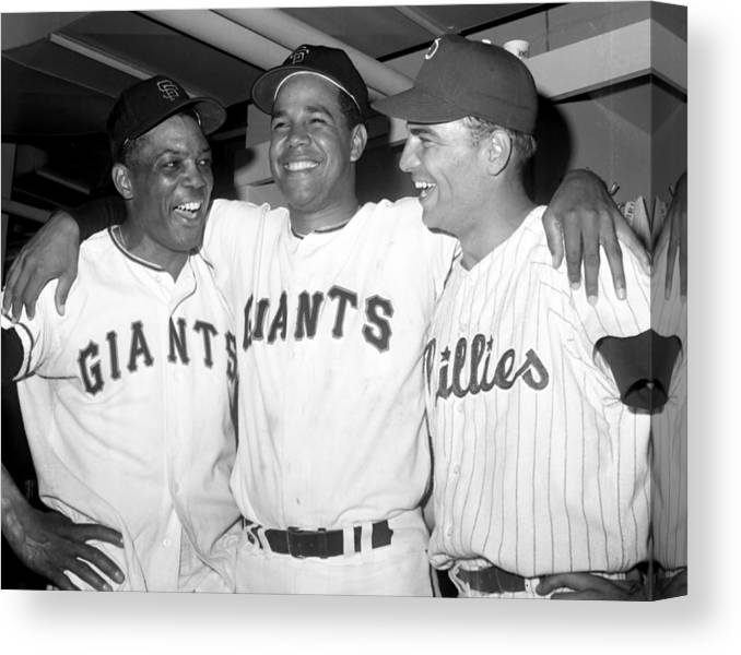 Horizontal Canvas Print featuring the photograph Willie Mays, Juan Marichal, and Johnny Callison by New York Daily News Archive