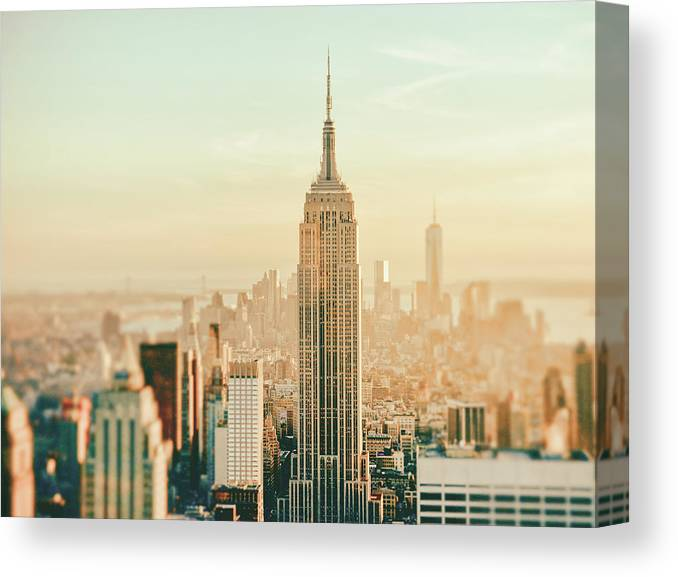 Nyc Canvas Print featuring the photograph New York City - Skyline Dream by Vivienne Gucwa