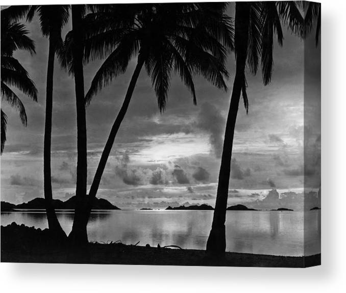 1930-1939 Canvas Print featuring the photograph Barrier Reef by General Photographic Agency
