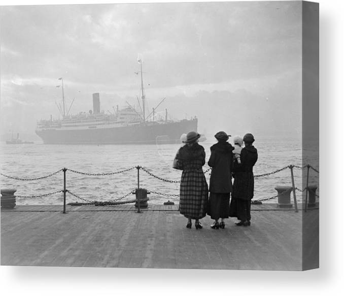 England Canvas Print featuring the photograph Laconia by Topical Press Agency