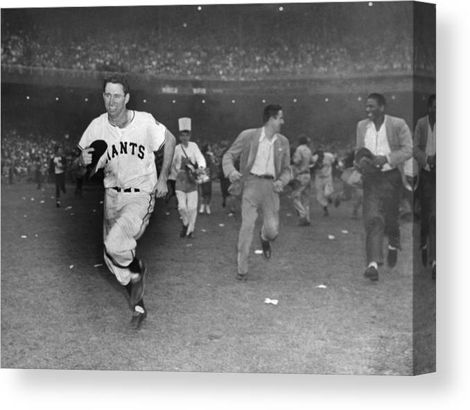 Sport Canvas Print featuring the photograph New York Giants Captain Alvin Dark Runs by New York Daily News Archive