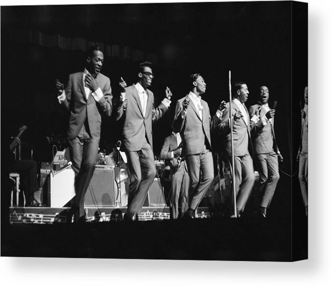 People Canvas Print featuring the photograph Temptations At The Apollo by Michael Ochs Archives