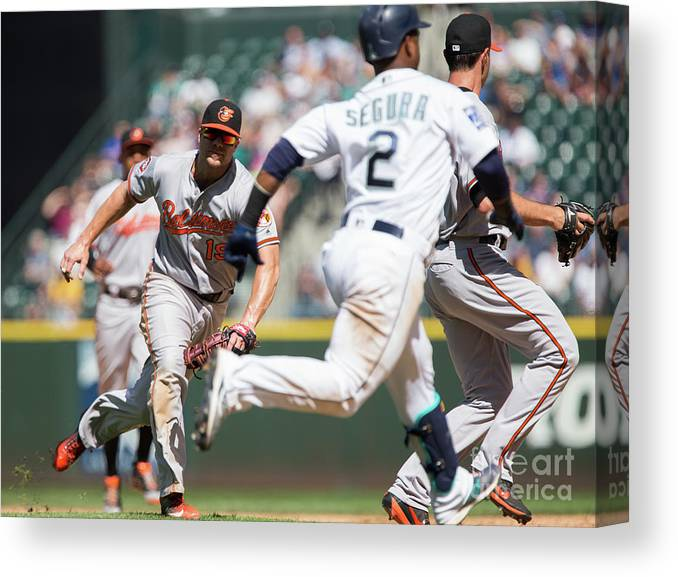 People Canvas Print featuring the photograph Chris Davis and Jean Segura by Lindsey Wasson